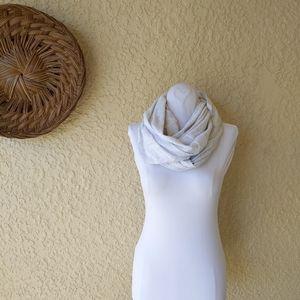 Lululemon infinity scarve